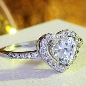 Jewelry - Brilliant Heart Cut 3Ct White Topaz Ring Size 6.5